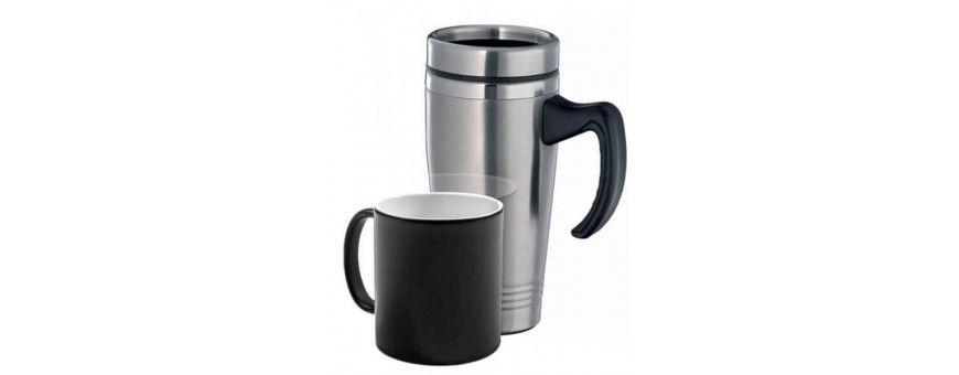 Tassen und Thermoskannen